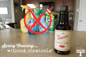 cleaning using thieves household cleaner