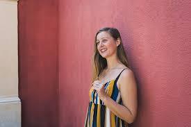Meet Amanda Smith – the novelist exploring the challenging side of travel,  reintegration - Digital Nomad Girls