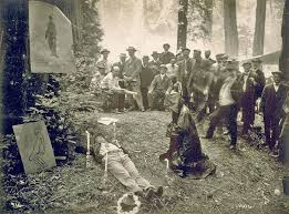 Scoperte alcune strane e inquietanti fotografie del Bohemian Grove ...