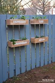 31 Unique Garden Fence Decoration Ideas To Brighten Your Yard The Trending House