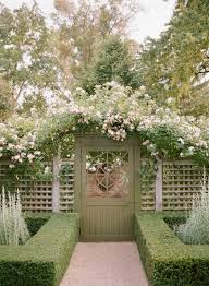 Beautify Your Outdoor Area With These Lattice Fence Ideas Decortrendy