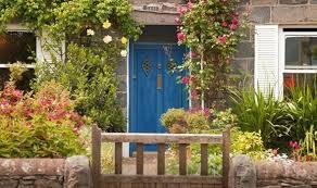 designing a stunning front garden