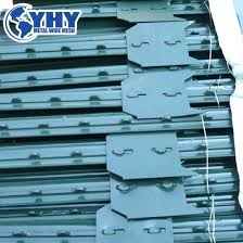 China 8 Feet Heavy Duty Farm Fence Metal T Posts China T Studded Post Galvanized Studded Post
