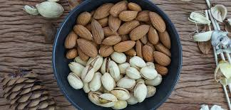benefits of almonds pistachios vs