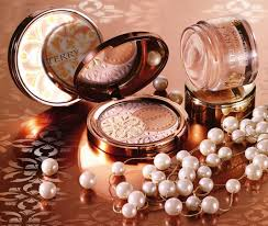 gift a pearlescent coffret