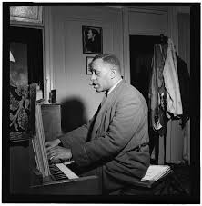 Portrait of Willie Smith in his apartment, Manhattan, New York, N.Y., ca.  Jan. 1947] | Library of Congress