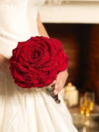 اشكال باقات ورد حمراء للعروس الراقية