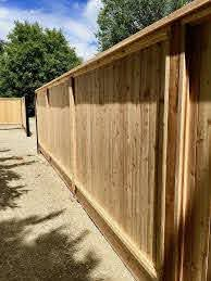 Time For A New Fence Here Are Some Privacy Fence Ideas To Turn Your Backyard Into A Private Oasis Backyard Fence Privacy Screening Ceda Design Door Metal