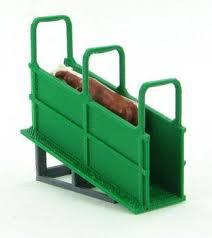 64 310 Gr 1 64 Green Livestock Loading Chute Action Toys