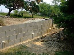 how to build a retaining wall from