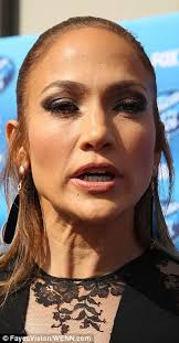 Jennifer Lopez walks the American Idol red carpet at the show's finale |  Daily Mail Online