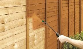 How To Quickly Spray Your Wooden Fence Ronseal