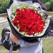 romantic red rose bouquet gift