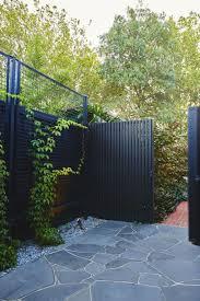 Bun Fence Fence Backyard Fence Design Fence Diy Fence Ideas Oven In 2020 Fence Design Black Fence Modern Garden Design