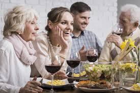 5 Elementos A Considerar Si Vas A Invitar A Tus Suegros A Cenar