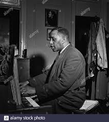 Portrait of Willie Smith in his apartment, Manhattan, New York, N.Y., ca.  Jan. 1947 Stock Photo - Alamy