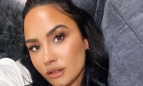 demi lovato posts rare makeup free selfie