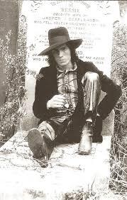 Fast Film: JAMES WILLIAMSON Trussart guitar PHOTO SESSION