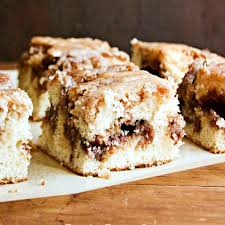 cinnamon roll cake from scratch with