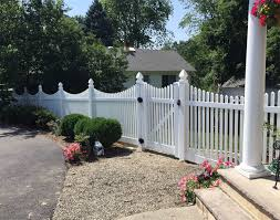Hot Sale Pvc Privacy Fence Cheap Decorative White Fence
