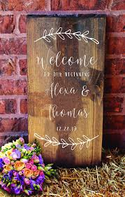 Amazon Com D A Designs Wreath Wedding Welcome Decal Or Single Use Stencil For Diy Wedding Signs For Glass Wood Chalkboard Metal Sign Making Wedding Date Wrt0101 15 Handmade