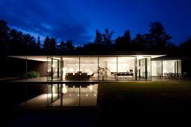 stunning modern glass houses that