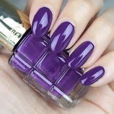 le vernis à l le violet de nuit
