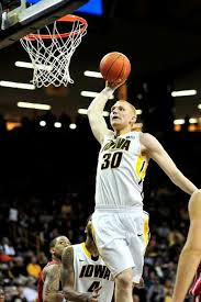 Strongsville High School grad Aaron White shining for University ...