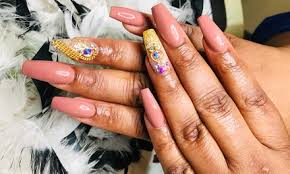 cleveland nail salons deals in and