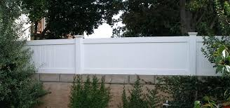 Image Result For Block Wall With White Horizontal Fence Fence Toppers Horizontal Fence Back Garden Design