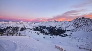 colorado ski resorts closing dates