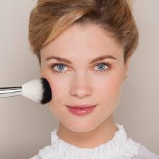 three hour make up course with gift