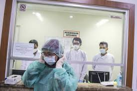 n student becomes first suspected case of covid the