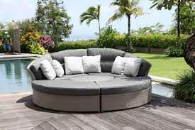 bringing home rattan garden daybeds