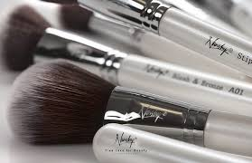 how to take good care of makeup brushes