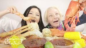 75 Year Old Tries 10-lb Seafood Mukbang ...