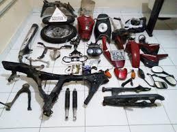 Moto furtada é encontrada desmontada na casa de homem suspeito de ...