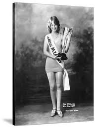 Ada Williams, Miss Miami of 1927, Shows Off Her Trophy, 1927' Photographic  Print - | AllPosters.com