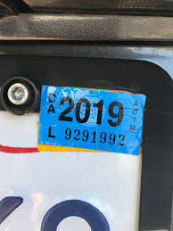 Use A Razor Blade And Cut A Grid Into Your Car Registration Sticker To Prevent Thievery Lifehacks