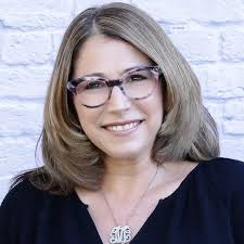 Michelle Smith, Social Media Director   Amendola Communications