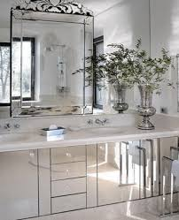 small bathroom decorating with mirrors