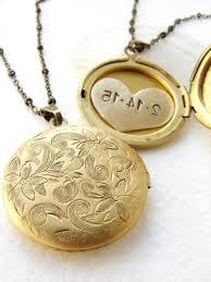 create a custom silver necklace pendant