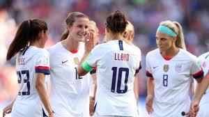 USWNT star Carli Lloyd trolls critics with golf-clap celebration at World  Cup
