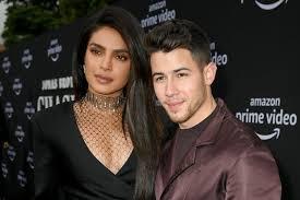 Ada Pengacau di Rumahnya, Sikap Nick Jonas dan Priyanka Chopra Bikin Kaget