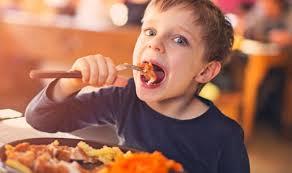 10 restaurants where kids eat free
