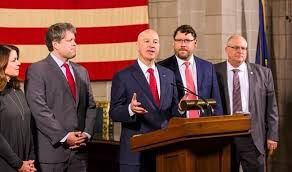Governor Pete Ricketts addresses budgeting roads with Nebraska Department  of Transportation | KGFW-AM
