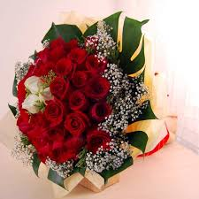 roses bouquet in red and white