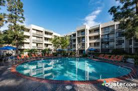 Howard Johnson by Wyndham Anaheim Hotel and Water Playground ...