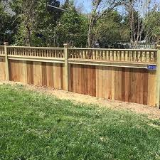 Jail House Topper On Privacy Fence Privacy Fence Toppers Contemporary Fence Toppers Wood Fence Topper Design Ideas Fe Fence Toppers Wood Fence Fence Contractor