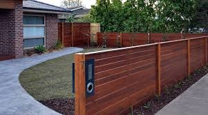 Horizontal Merbau Fence Front Yard Fence Front Yard Decor Fence Design